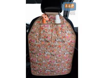 Защитная накидка (чехол) на спинку автомобильного сиденья с карманами. Цвет: букашки.