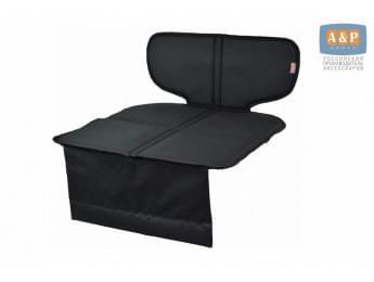 Защитный коврик (накидка) под детское автокресло-бустер. Цвет: черный.
