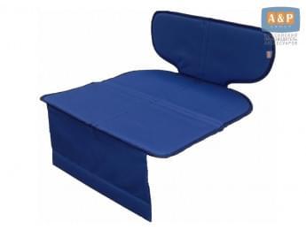 Защитный коврик (накидка) под детское автокресло-бустер. Цвет: синий.