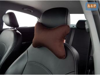 Подушка-косточка автомобильная под шею. Средняя. Ткань: рогожка. Цвет: тёмно-коричневый.