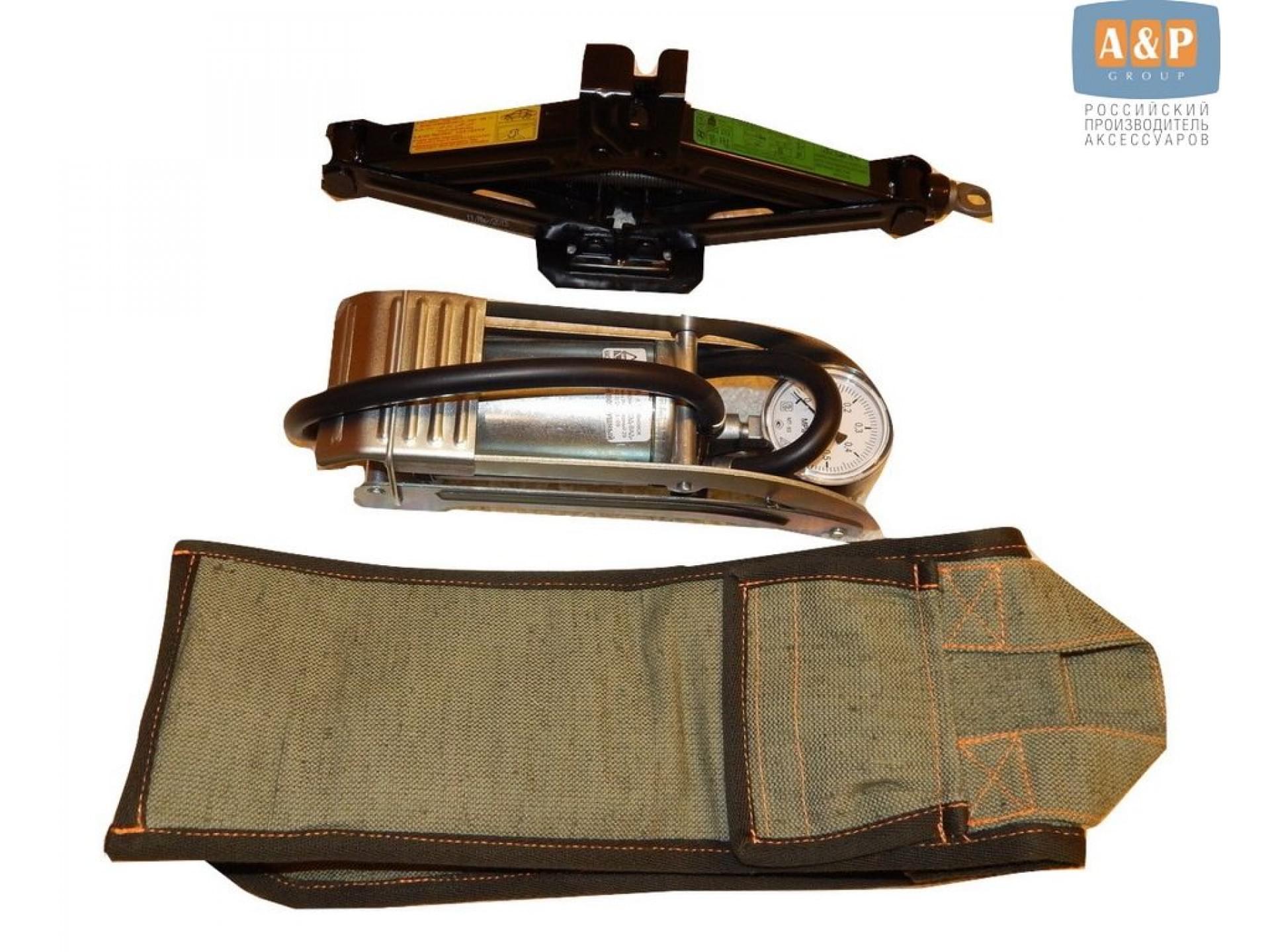 Сумка для домкрата или ножного насоса. Размеры 34х13х13 см. Материал – брезент.